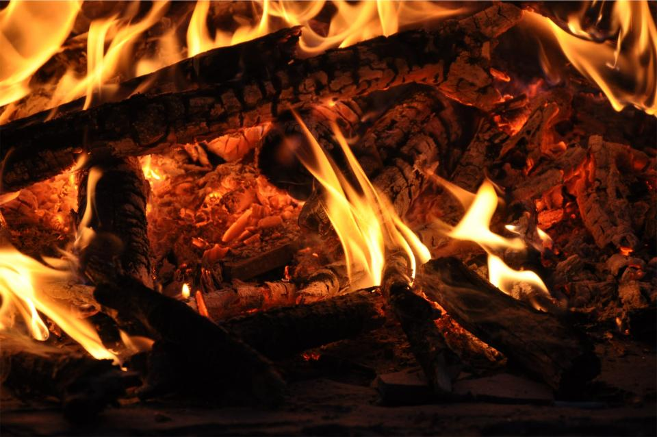 wood logs flames bonfire