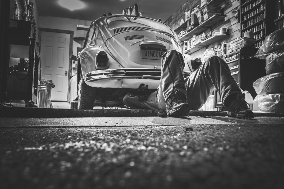 workshop tools supplies repair parts mechanic materials garage car buggy beetle automotive
