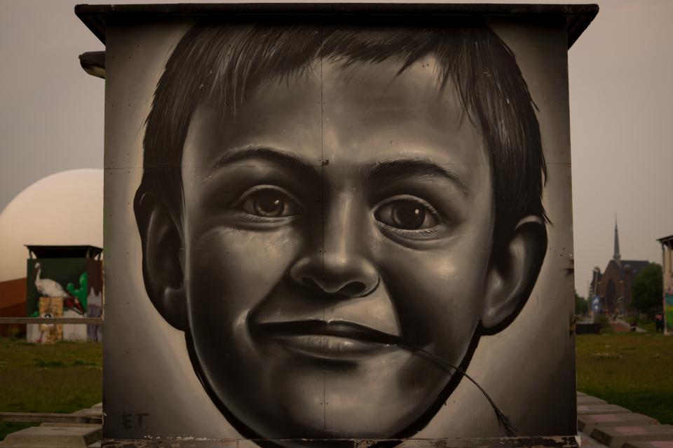 wall street spraypaint mural art