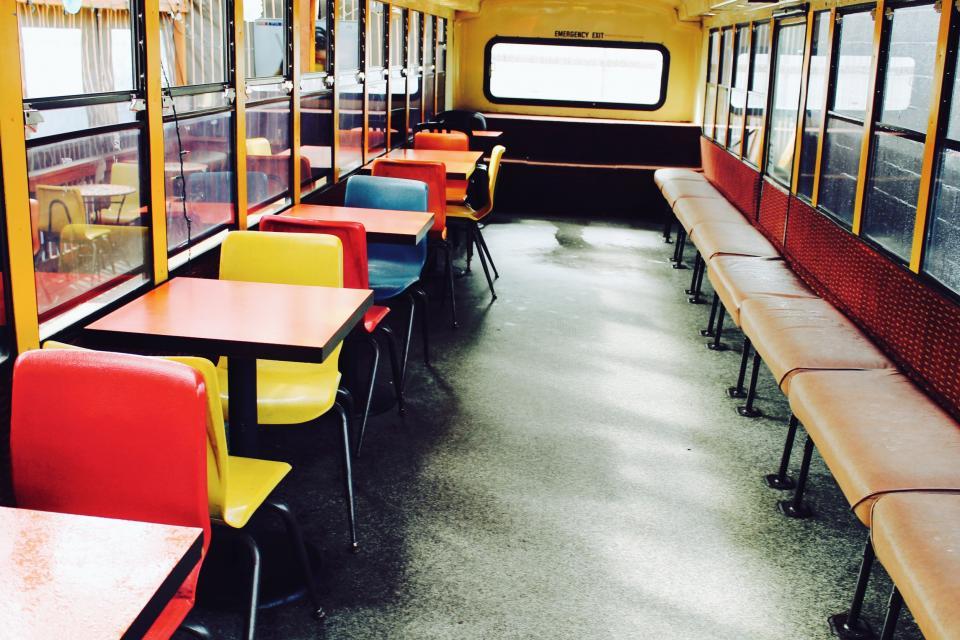 tables seats schoolbus desks
