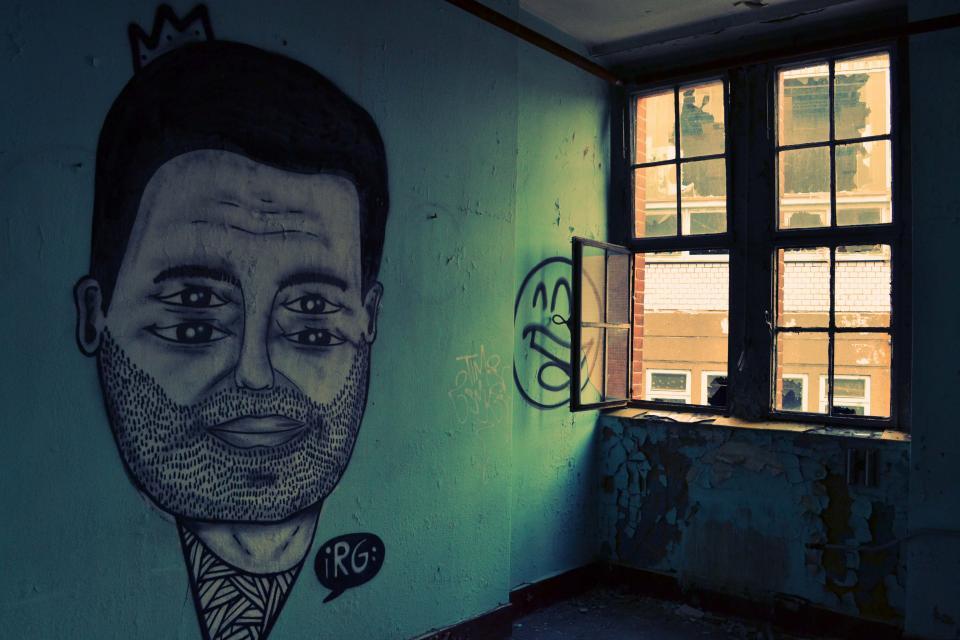 window spraypaint room mural graffiti face dark art
