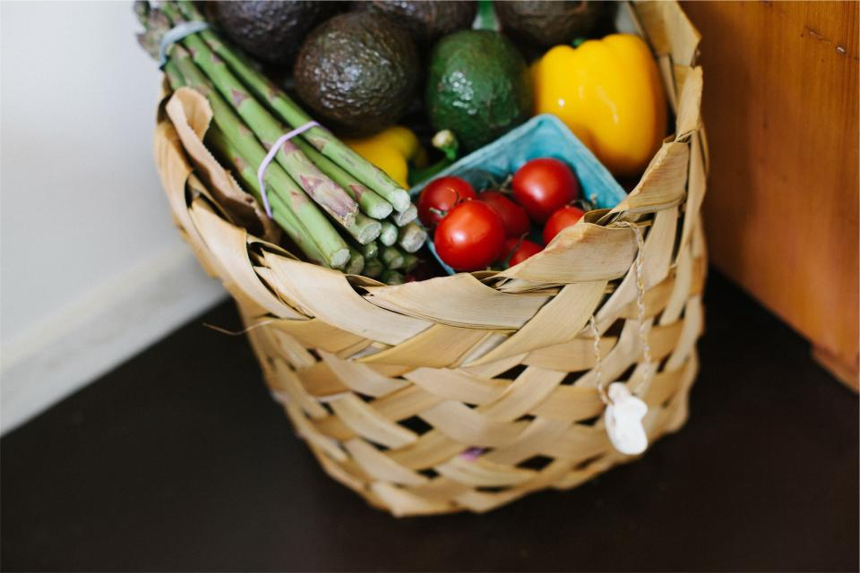 vegetables tomatoes peppers groceries fruits food basket avocados asparagus