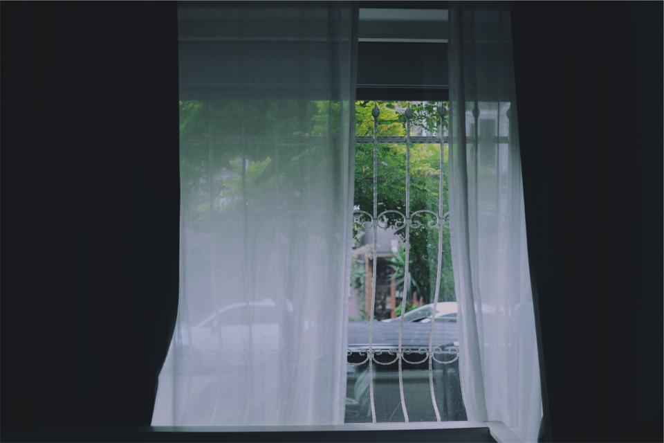 window room curtains